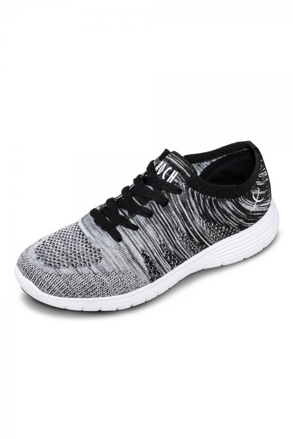 Dans sneakers